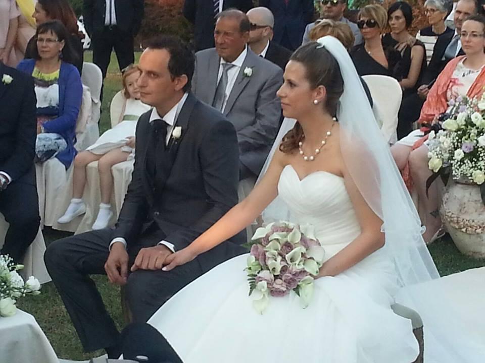 Matrimonio Simbolico Rito Della Sabbia : Nozze a carsoli per vincenzo e valentina celebrato il